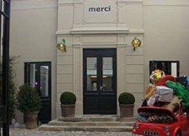 Merci, le premier charity shop à la française