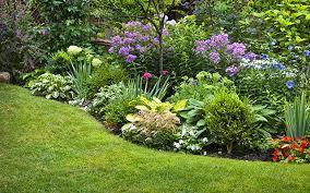Comment créer un joli talus dans sa cour