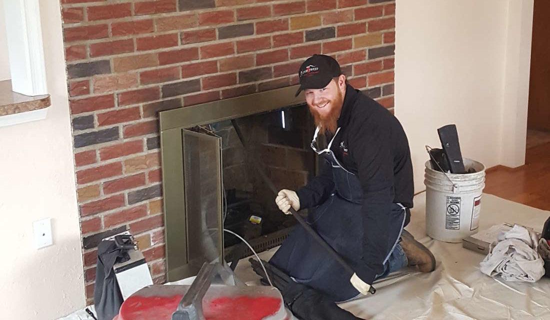 Ramonage de cheminée : pourquoi solliciter les services d'un ramoneur?