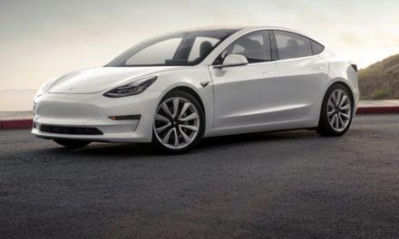 Ajouter une touche personnelle à votre Tesla en la personnalisant